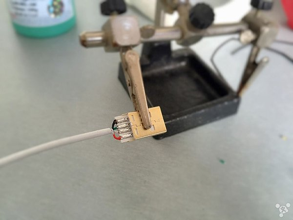 how-to-diay-a-lightning-cable_06